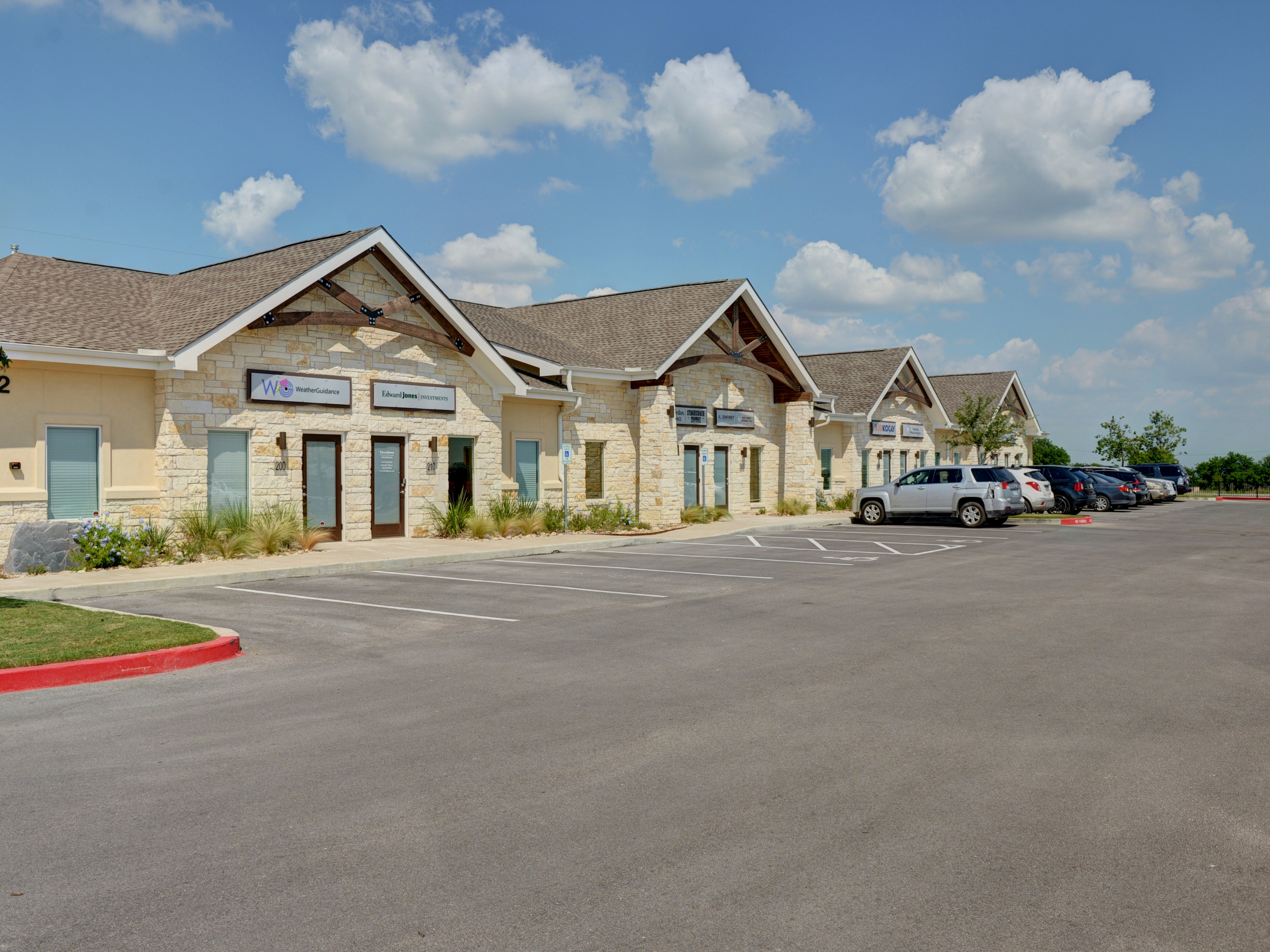 Dacy Lane Professional & Medical Center in Kyle, TX